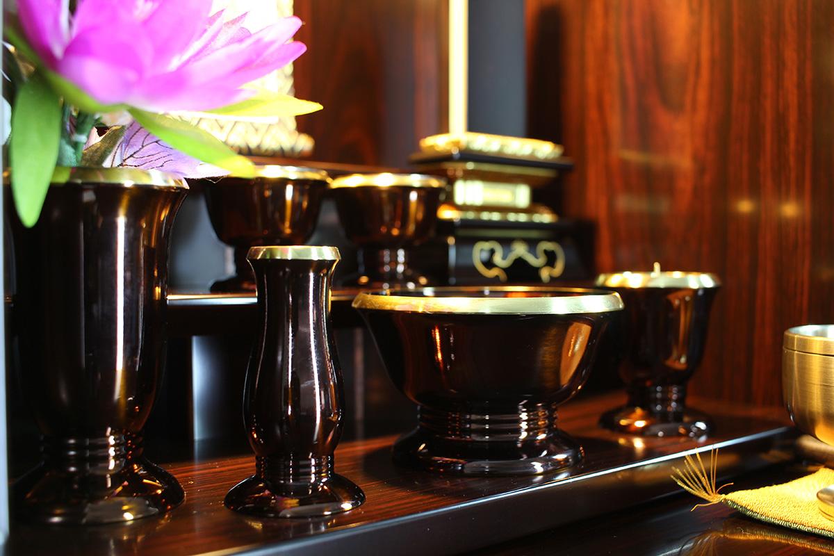 葬儀社から紹介された仏壇店で購入しないといけないの?